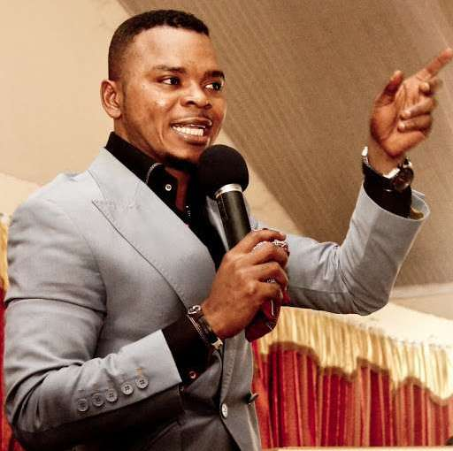 Ghanaian self acclaimed Bishop Obinim Destroys Images Of Jesus Christ In His Church says they're fake, Replaces With His own image