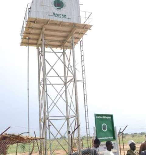 Gateman rejects house offer from his boss, begs for borehole for hiscommunity