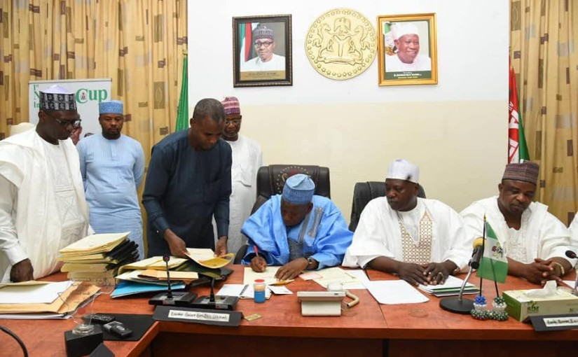 Gov. Ganduje finally succeeds in breaking Kano Emirate Into Five, Signs Bill Into Law (photos)