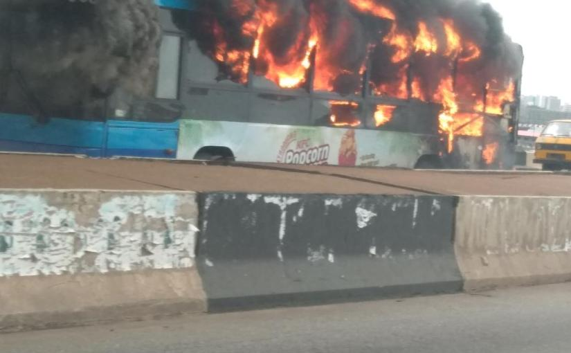 BRT Transit Bus Burns To Ashes On 3rd mainlandbridge