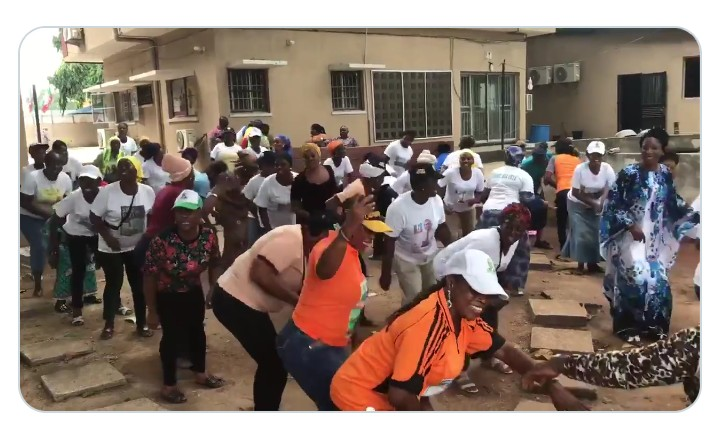 Lagos state in-coming Gov. Sanwo-Olupractising his new dance step with ladies ahead of May 29(photos)
