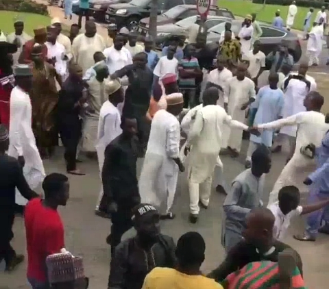 Zamfara APC and PDP Youths Fights Inside Supreme Court After court ruled PDP candidate winner of the Zamfara state governorship election (video & photos)