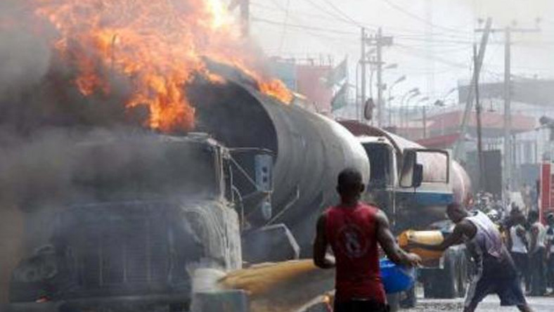 58 people dies in Niger Republic as Fuel tanker explodes on the road