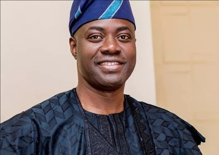 Oyo State Governor Seyi Makinde, sacks all the local government chairmen in the state