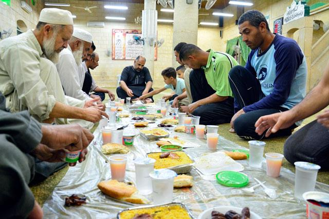 Sharia police to arrest Muslims seen eating in public during the Ramadan fast