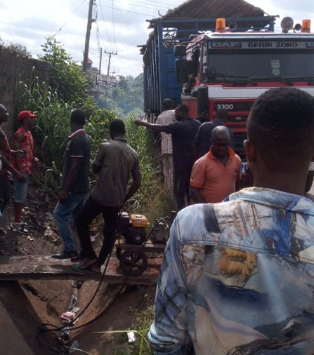 Truck loaded With Cows Runs Into A High Tension Pole In Anambra (GraphicPhotos)
