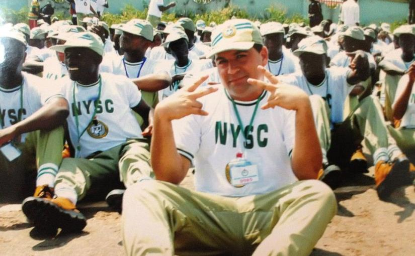 A MUST READ!!! Inspiring photos of an NYSC man who used wheel barrow pushing to train himself and still pushing it for aliving!