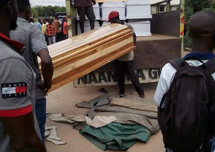 Benue Residents runs for their lives as Men Storm Makurdi With 20 Coffins (photos)