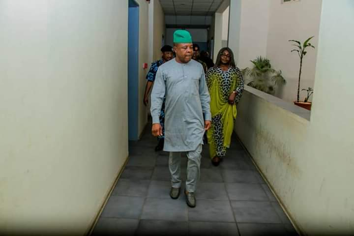 Looted bedroom in government house: Gov. Ihedioha Inspects Okorocha's Bedroom & Offices At Imo Government House After He Leaves (photos)