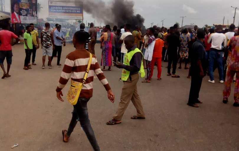 Okada community boys, Benin City, Edo State, kills a Fulani man to avenge the death of a pregnant woman killed by herdsmen (graphicphotos)