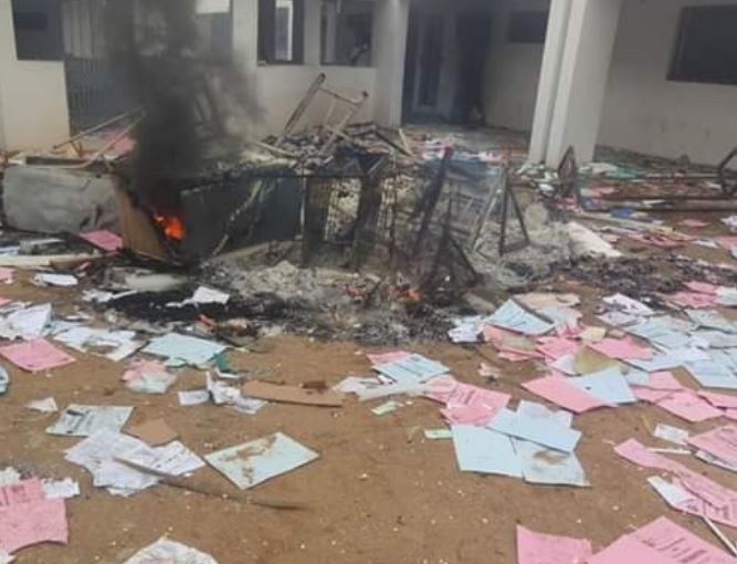 Management of Osun State Polytechnic Iree, shuts down school  indefinitely after students burn down the campus medicalcenter