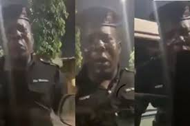 Yahoo Boys dupes Nigerian Policeman using 'Vice President Osibanjo's name – Policeman cries out (video)
