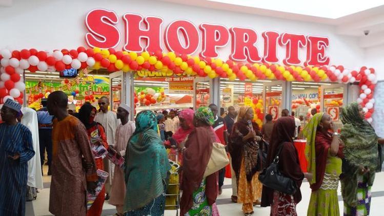 Shoprite Ilorin locks doors as Sallah customers over crowds Supermarket(photos)