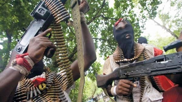 Gunmen kills police guards, Abducts two Chinese men In Edo State