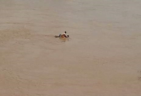 A suicidal woman rescued after she jumped into a river from a keke in Kogi(photos)