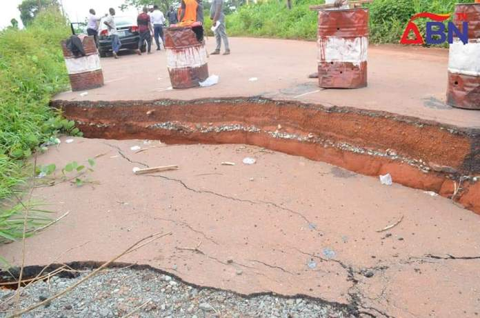 Aba, Abia State Road Divides, Due To Erosion (Photos & Video)