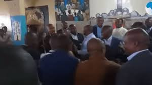 Kenyan politicians fight in church over control of constituency (video)