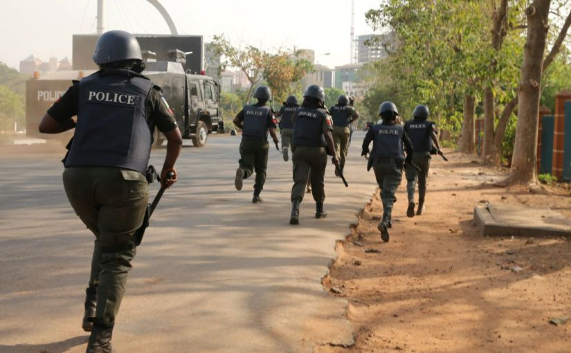 DSS, Soldiers and Policemen Storms Sahara Reporters' LagosOffice