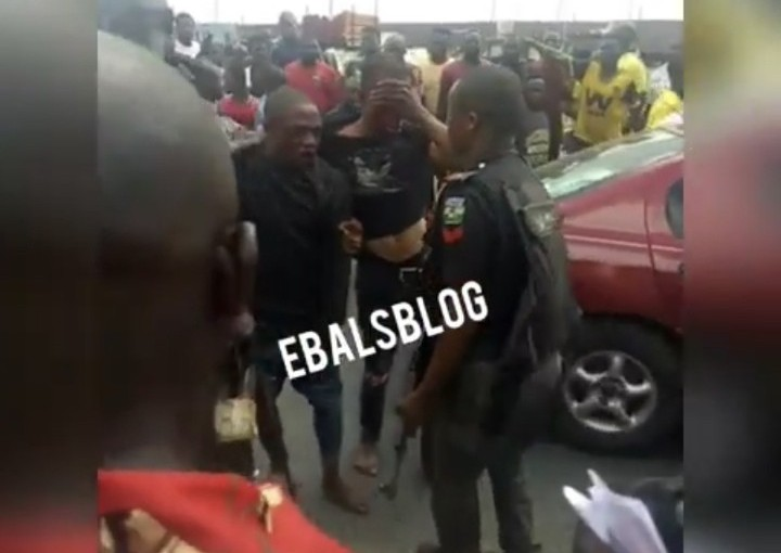 Police Apprehends Two Bank Robbers At Agip Junction,Portharcourt