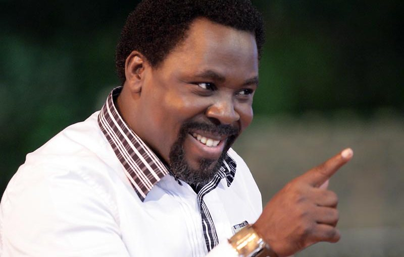 Prophet T.B. Joshua resurrects a dead man (photos&video)