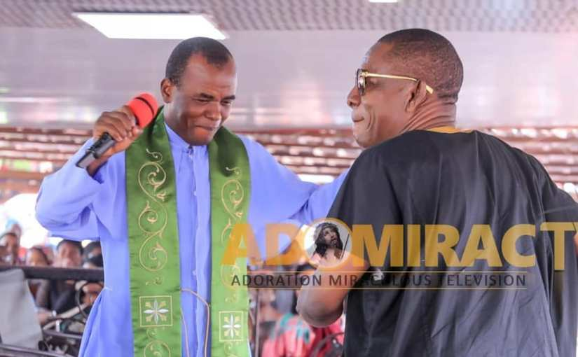 "Nkem Owoh Visits Father Mbaka's ""E No Dey"" Programme of Adoration Ministry (Pictures)"