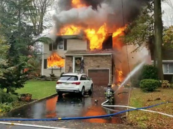 Plane Crashes Inside a living house in New Jersey, pilot dies(video)