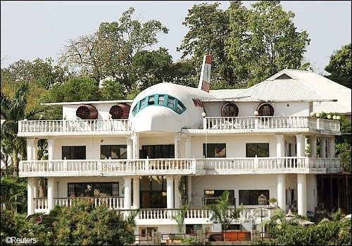 Have you heard about  The moving Aeroplane House InAbuja?