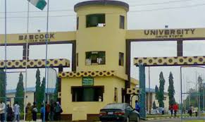 S*x video of Ex students of Babcock University, leaks online (videos)