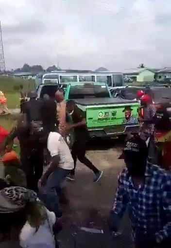 Bayelsa Election Turns Sour As People Run For Their Lives Over GunShots(Video)