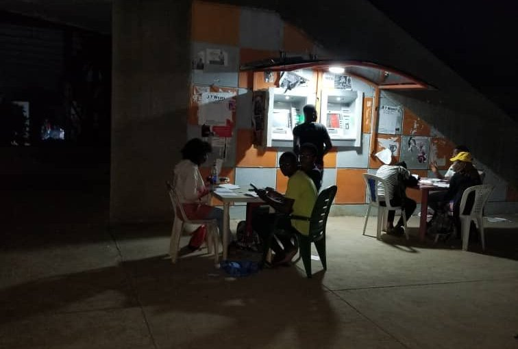 Power sector strike: OAU Students Seen Reading Outside(Pictures)