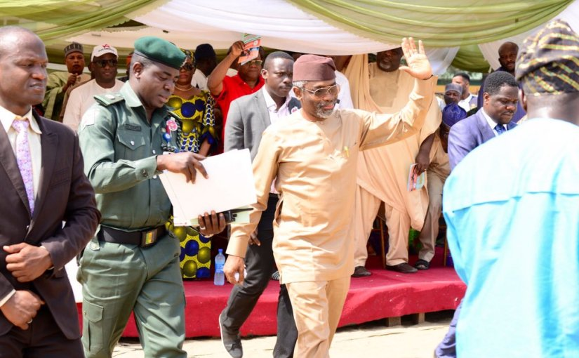 Femi Gbajabiamile Gives Out Cars, Laptops And Cash To HisConstituents