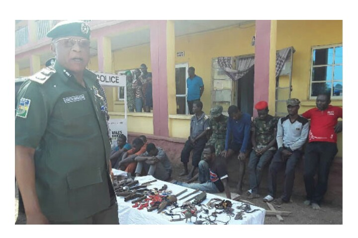 FOUR suspected armed robbers in military uniform, trying to rob bank,Arrested