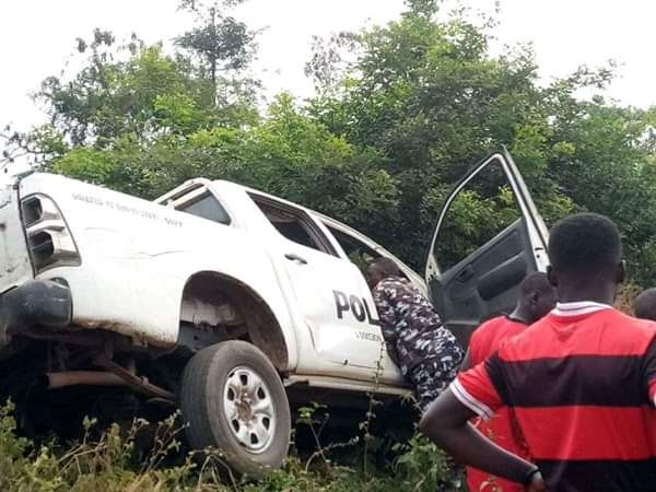 Civilians Rescues Police Officers Involved In Accident In Ebonyi
